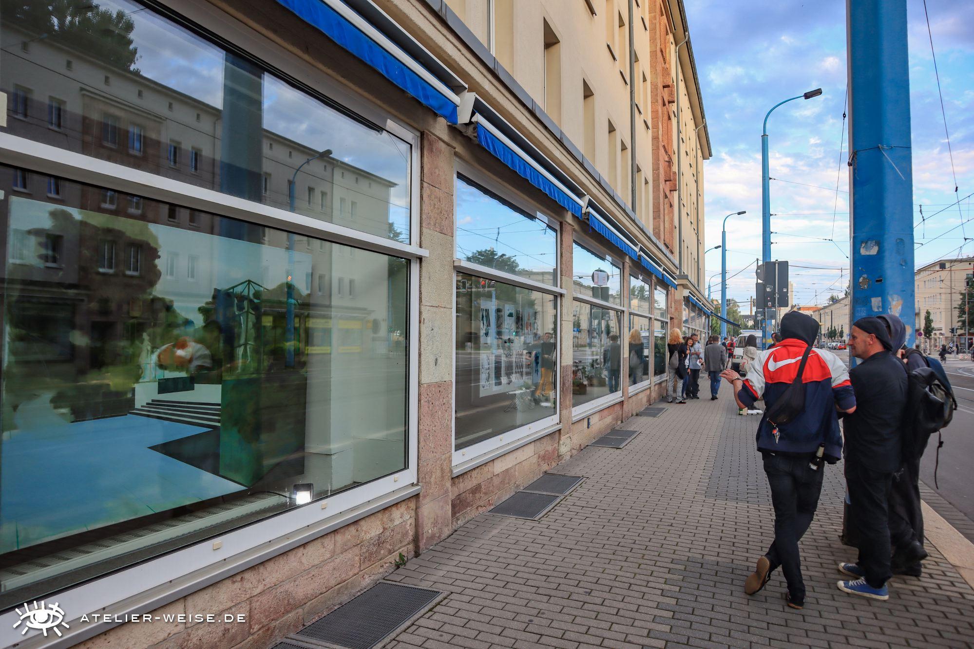 GIF Galerie im Fenster @ weltecho · galerie OSCAR | Chemnitz | Sachsen | Deutschland